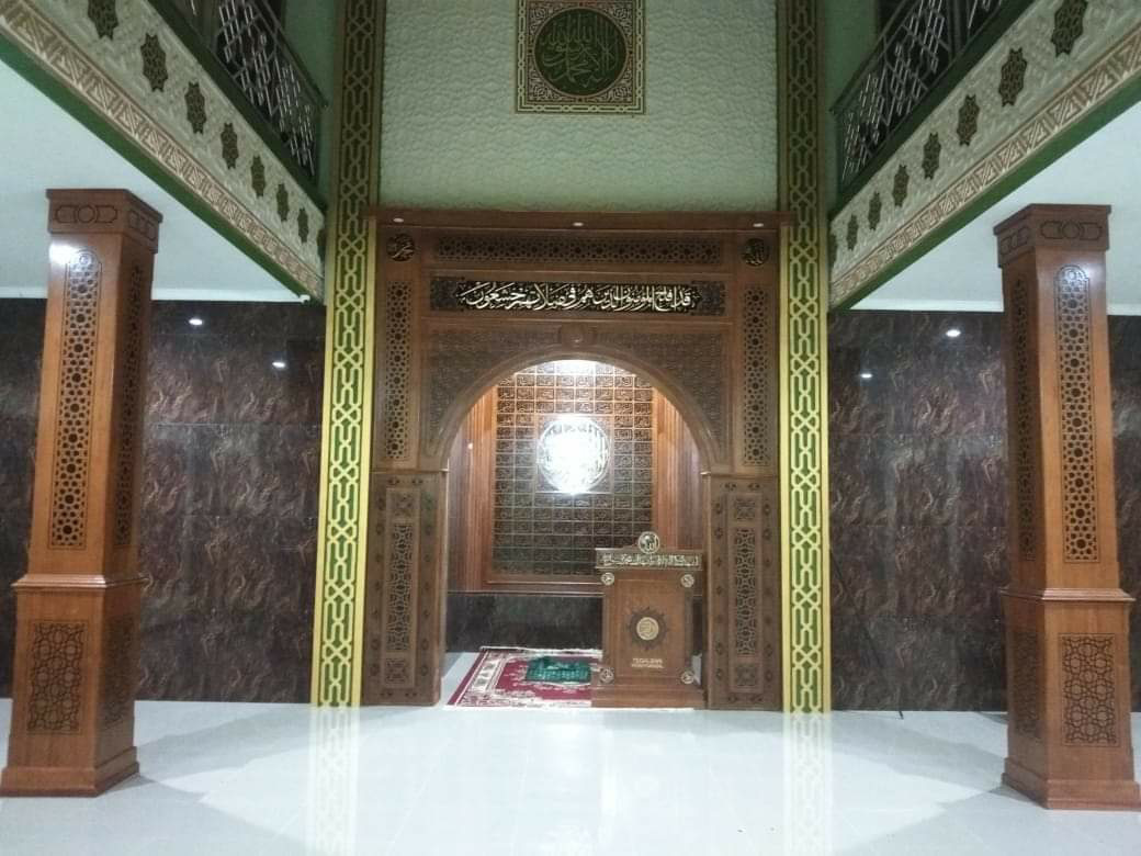 Desain Mimbar Kayu Podium Minimalis Mihrob Masjid