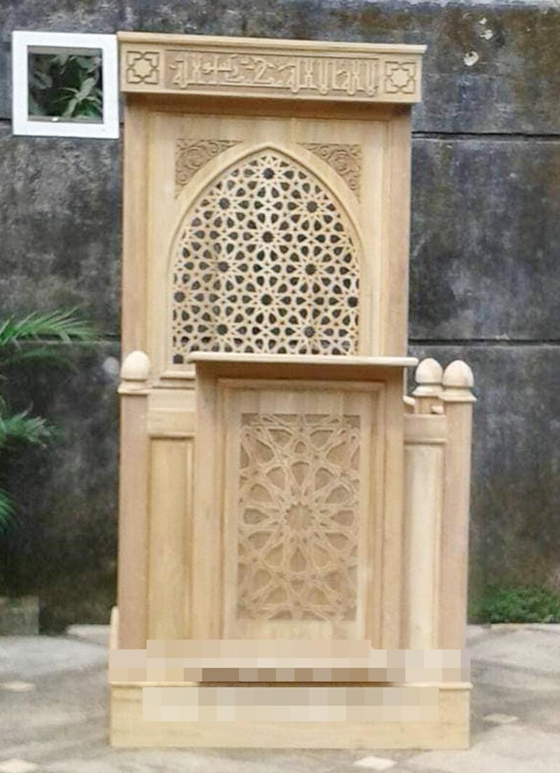 Mimbar Kayu Ornamen Marocco Masjid Daerah Brebes